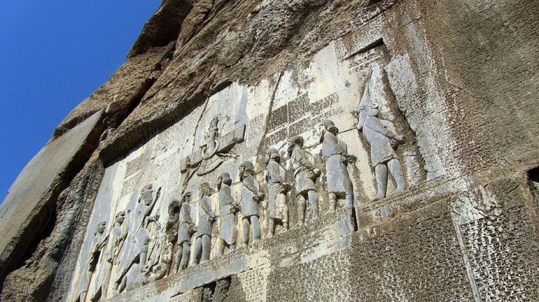 Behistun_Inscription_in_Persia_ca._520_BC-_UNESCO_World_Heritage_Site_999x561